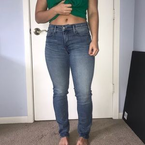 Never Worn Express light Wash size 6 jeans